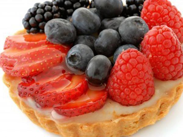 tarta-de-requeson-con-frutas-del-bosque-y-rellena-de-arandanos-20100524112427